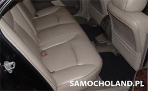 Skórzana tapicerka w samochodzie - Jak o nią dbać?