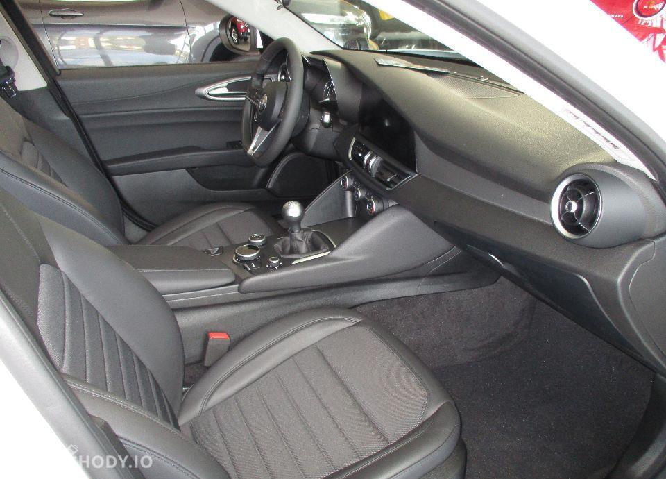 Alfa Romeo Giulia 2.2 Diesel 180 KM manual SUPER !Okazja DEMO! Navi 8,8\'\' FULL OPCJA 22