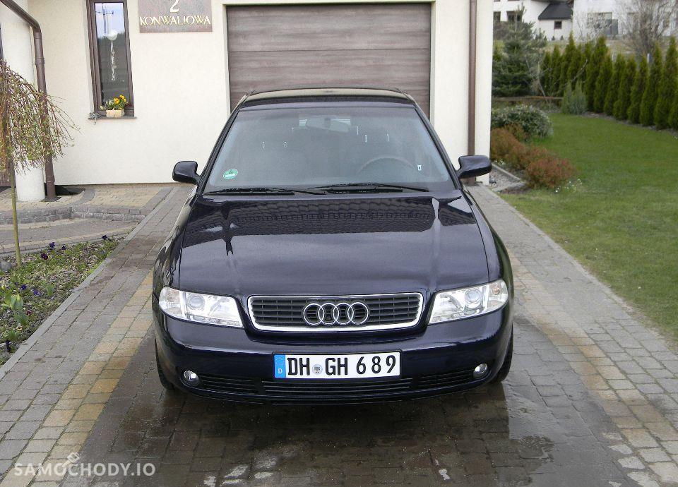 Audi A4 LIFT 1.6 Benzynka Klimatronik Alufelgi Bardzo Ładny 2