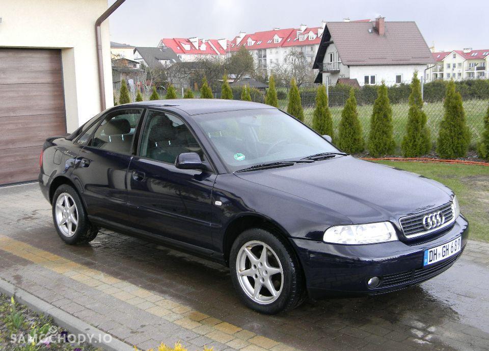 Audi A4 LIFT 1.6 Benzynka Klimatronik Alufelgi Bardzo Ładny 4