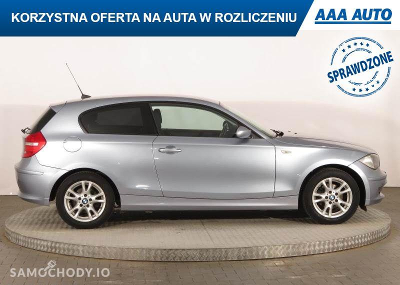 BMW Seria 1 116 i, 1. Właściciel, Klima, Parktronic, Podgrzewane siedzienia 29
