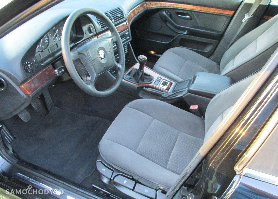 BMW Seria 5 E39 520i MANUAL świeżo sprowadzona 79
