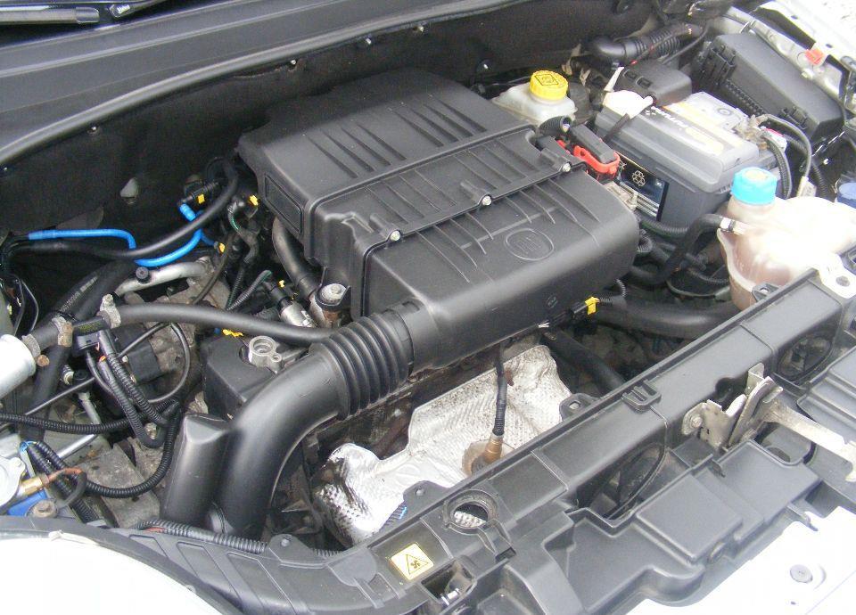 Fiat Grande Punto 1.4 LPG, 5 drzwi, klima, radio CD, zarejestrowane 79