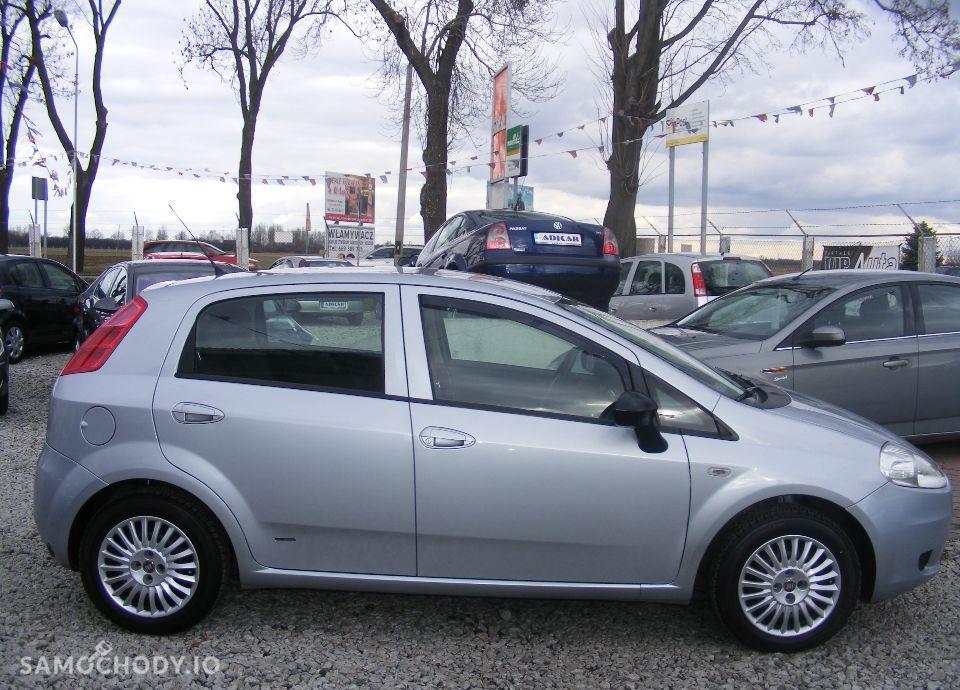 Fiat Grande Punto 1.4 LPG, 5 drzwi, klima, radio CD, zarejestrowane 7