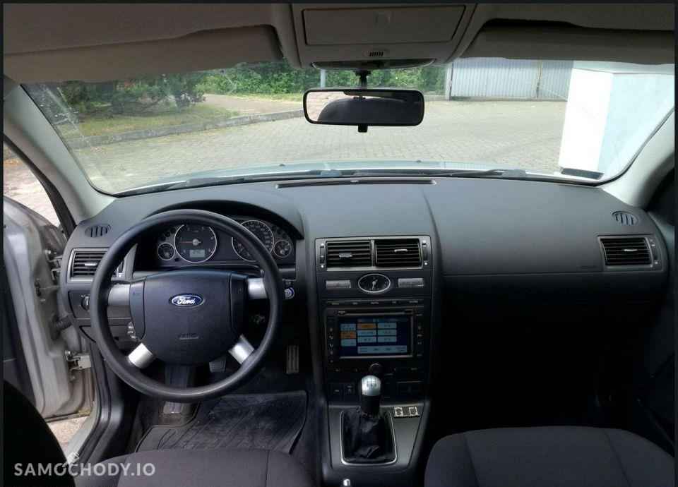 Ford Mondeo 2,0TDCI po liftingu Rodzinne KOMBI 11