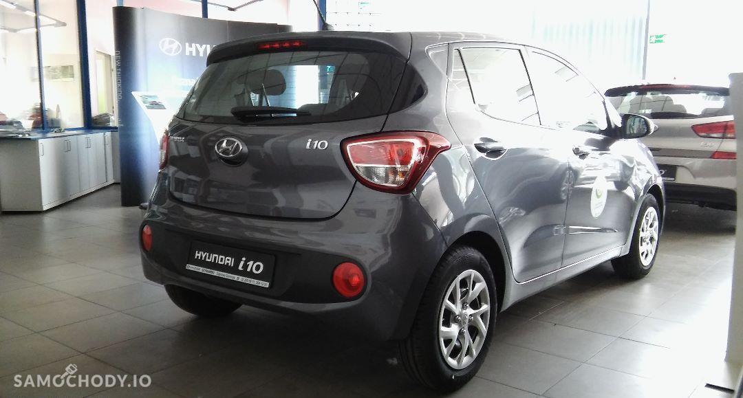 Hyundai i10 Pakowny miejski samochód 11