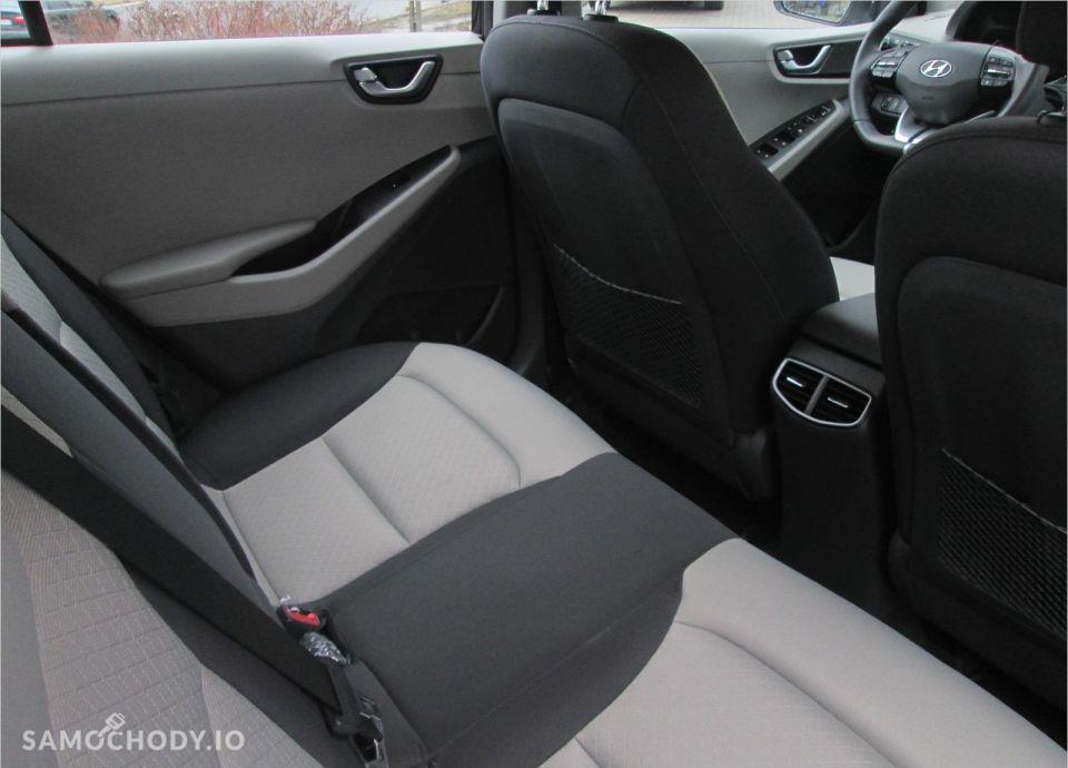 Hyundai IONIQ 1.6 GDI Premium + Navi . 22