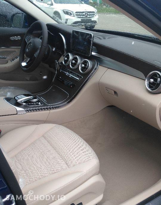 Mercedes-Benz Klasa C Pakiet EXCLUSIVE/Pakiet asystenta parkowania/ 29