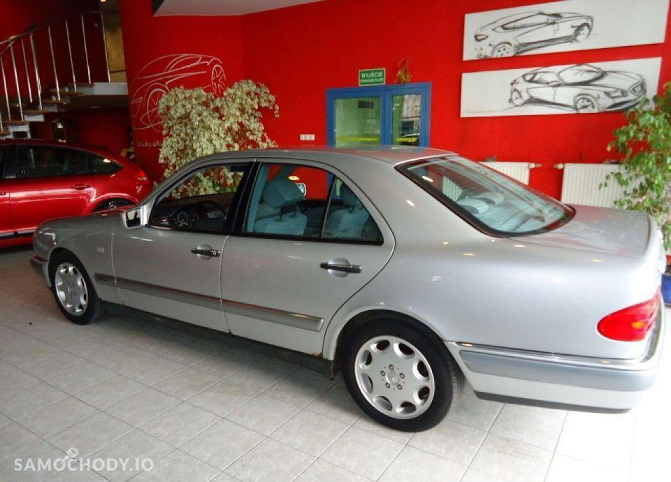 Mercedes-Benz Klasa E opłacony, bezwypadkowy, serwisowany 16