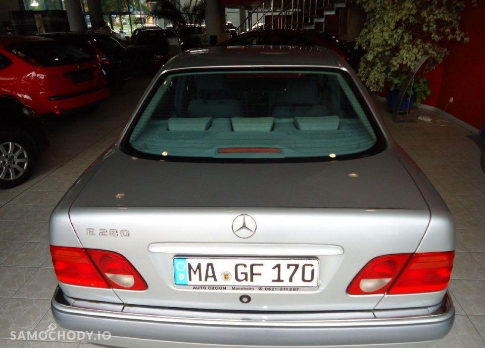 Mercedes-Benz Klasa E opłacony, bezwypadkowy, serwisowany 11