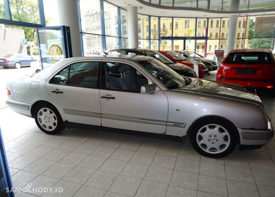 Mercedes-Benz Klasa E opłacony, bezwypadkowy, serwisowany 7