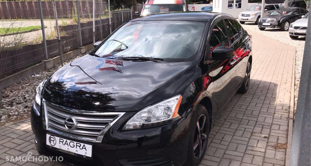 Nissan Sentra bezwypadkowy, model 2014 1
