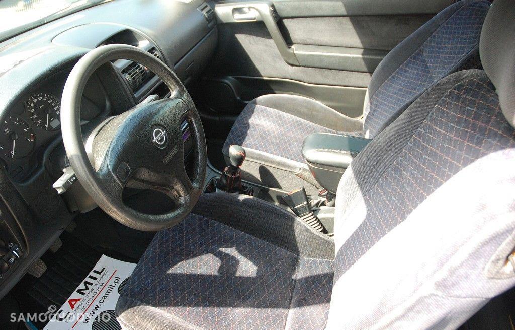 Opel Astra 1.6 benzyna w dobrym stanie technicznym i wizualnym z klimą, 37