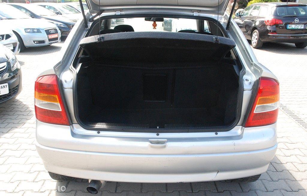 Opel Astra 1.6 benzyna w dobrym stanie technicznym i wizualnym z klimą, 22