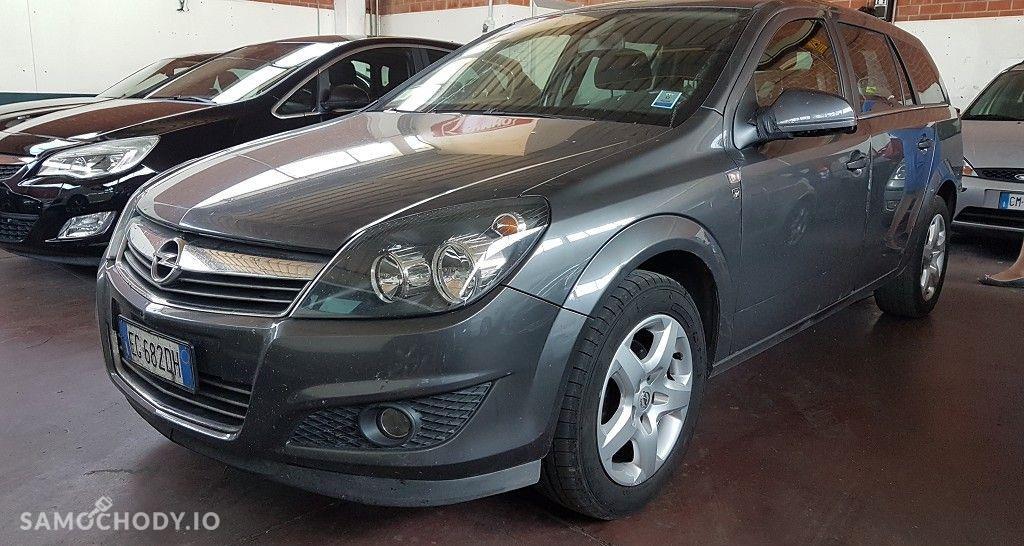Opel Astra BEZWYPADKOW-rginalny przebieg-wersja chrom 4