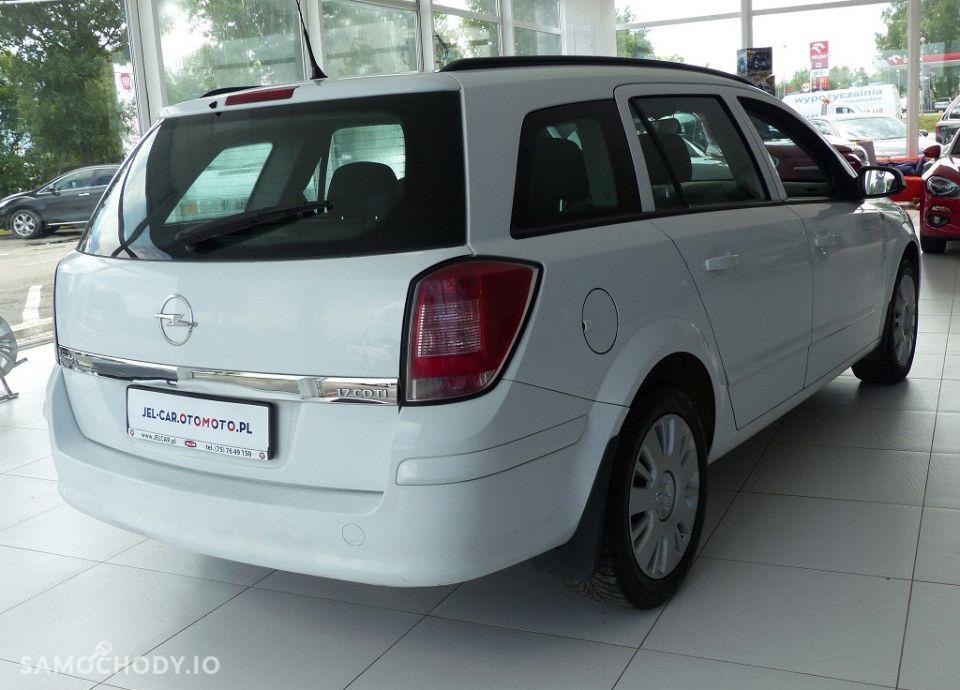 Opel Astra 1.7 CDTI 101KM klimatyzacja 11