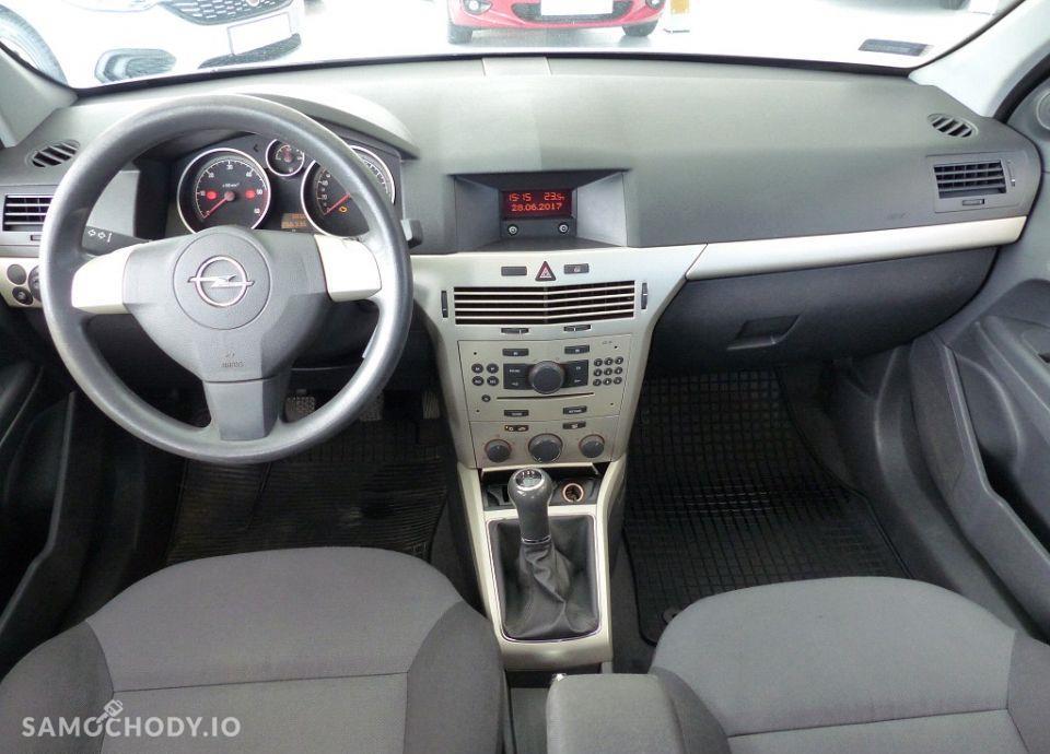 Opel Astra 1.7 CDTI 101KM klimatyzacja 46