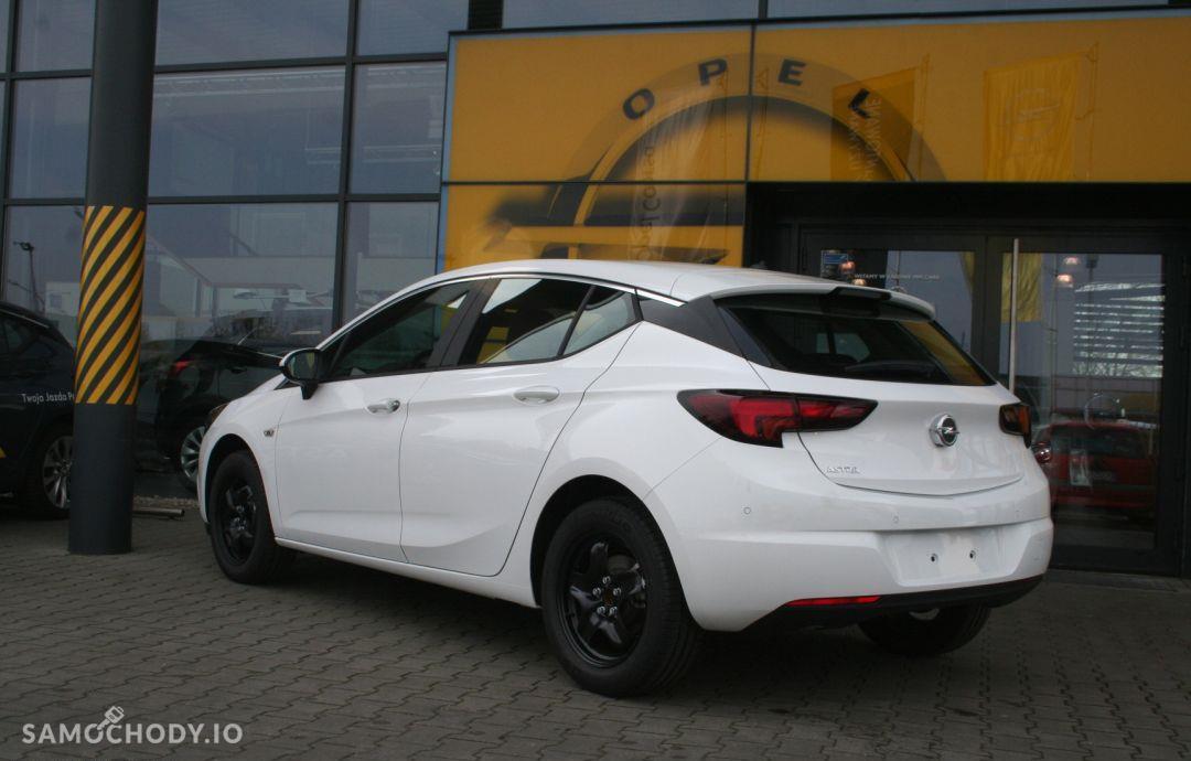 Opel Astra Enjoy 1.4 100KM 4