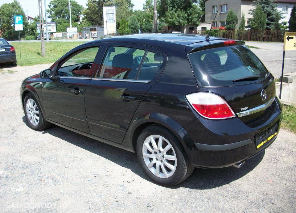 Opel Astra 1.6 z Niemiec mały przebieg wersja SPORT 2