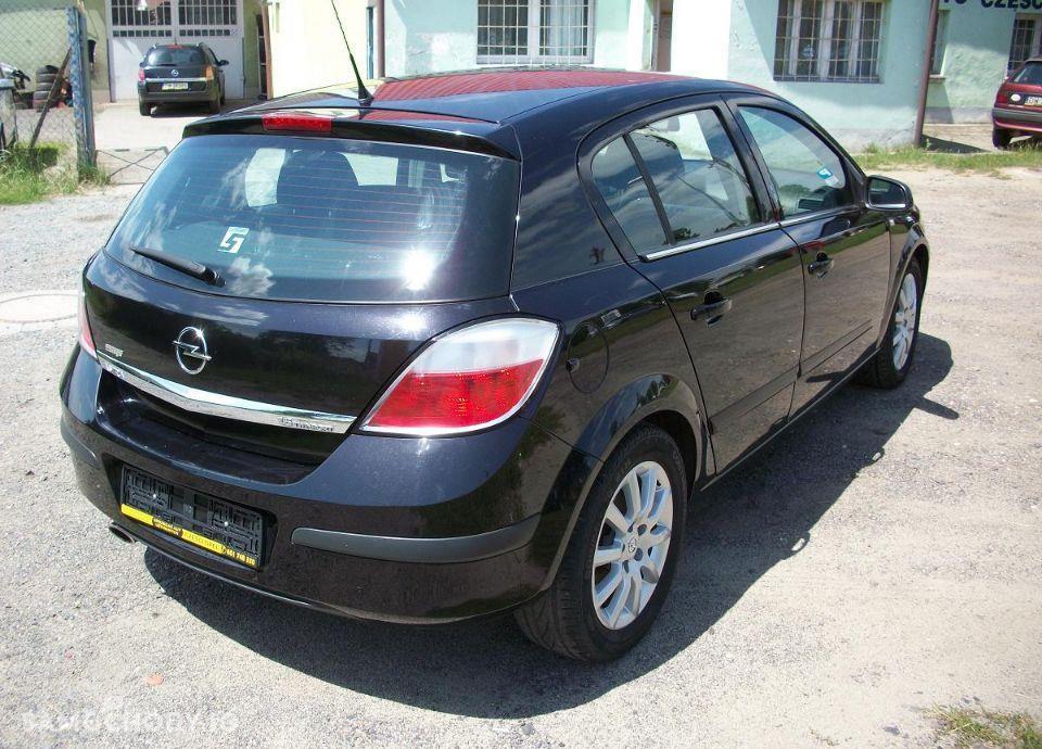 Opel Astra 1.6 z Niemiec mały przebieg wersja SPORT 4