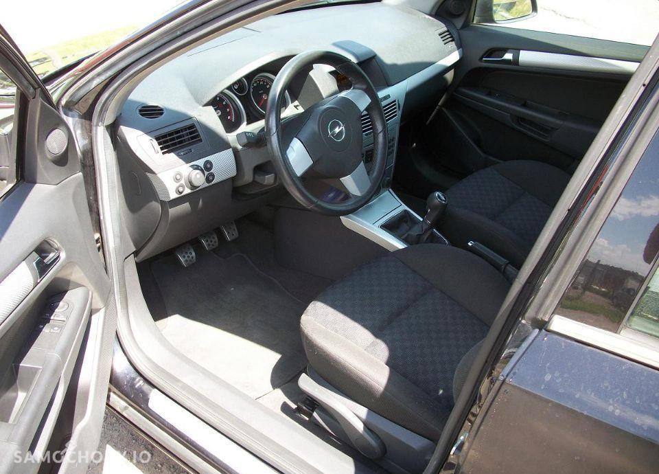 Opel Astra 1.6 z Niemiec mały przebieg wersja SPORT 29