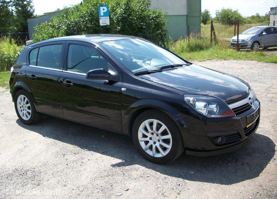 Opel Astra 1.6 z Niemiec mały przebieg wersja SPORT 1