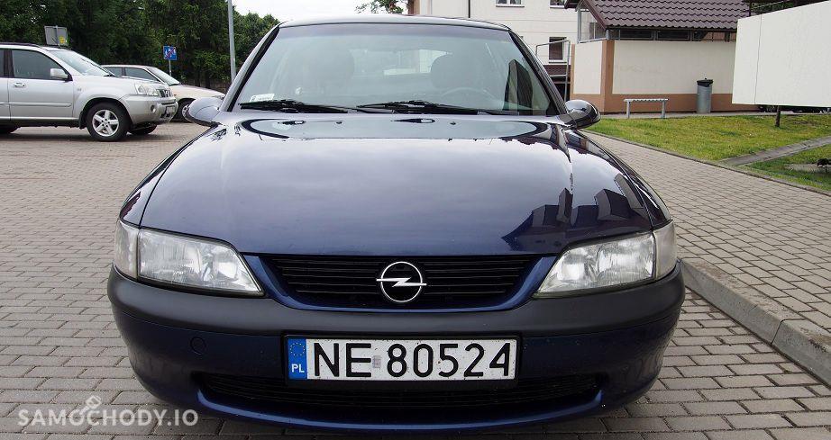 Opel Vectra zadbane wnetrze ,klimatyzacja alufelgi,hak,nowy rozrzad 4
