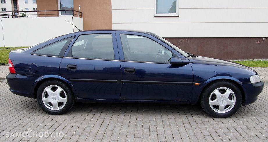 Opel Vectra zadbane wnetrze ,klimatyzacja alufelgi,hak,nowy rozrzad 7