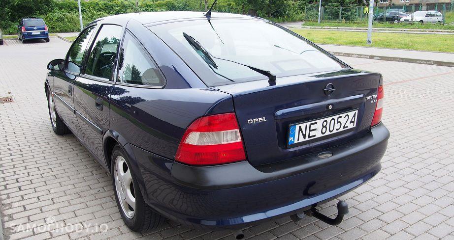 Opel Vectra zadbane wnetrze ,klimatyzacja alufelgi,hak,nowy rozrzad 16