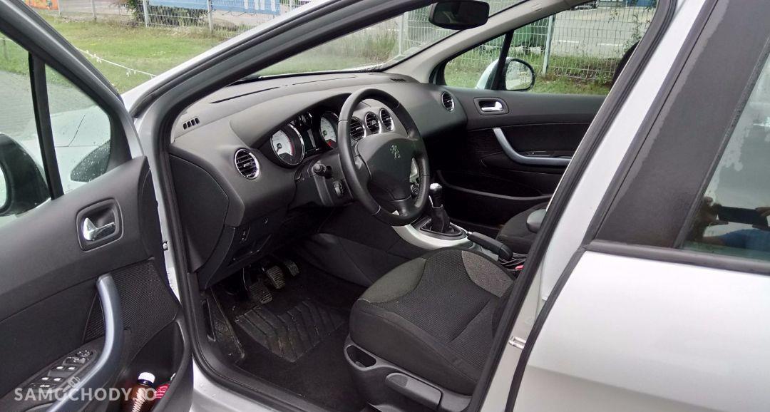 Peugeot 308 1.6 HDI Bogata Wersja Panorama Alu 16\' PDC Mały Przebieg 29