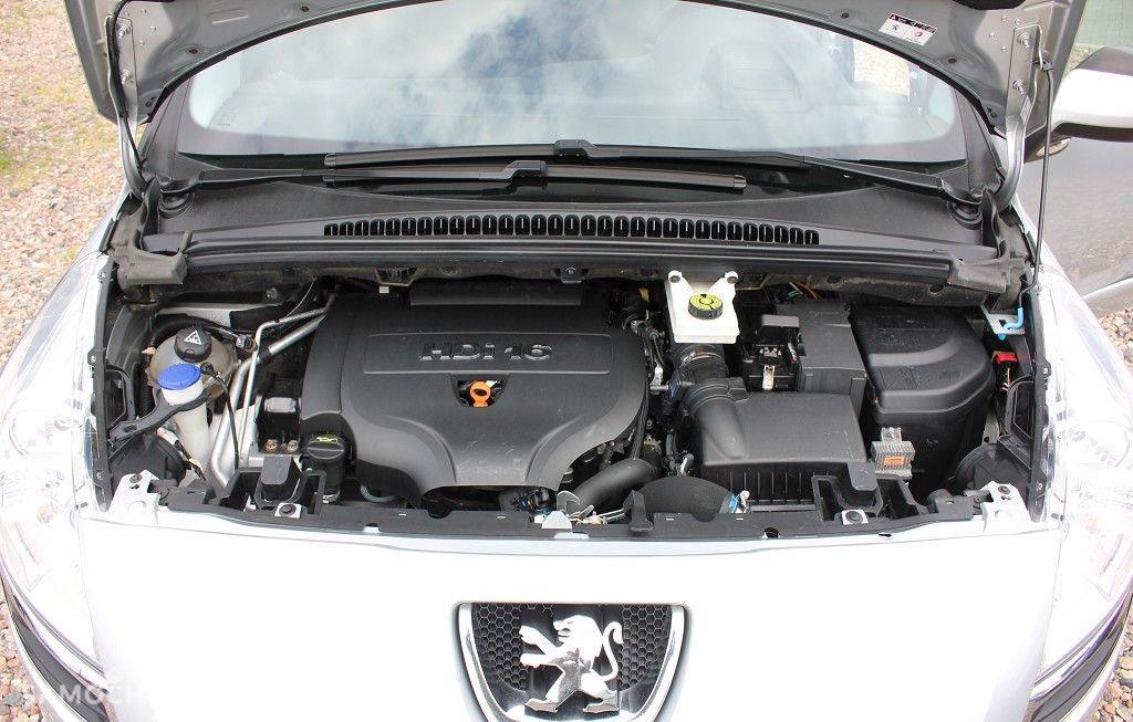 Peugeot 5008 Uszkodzona lewa strona, 2.0 hDI 160 KM 67