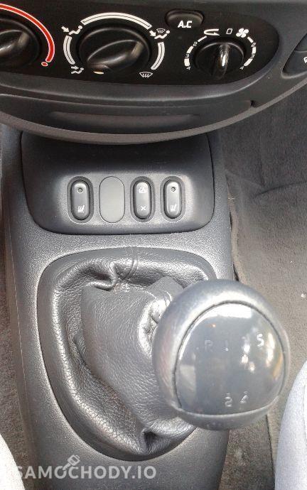 Renault Megane Renault Megane 1,4 16v wersja najbogatsza , bardzo zadbana TANIO!!! 37