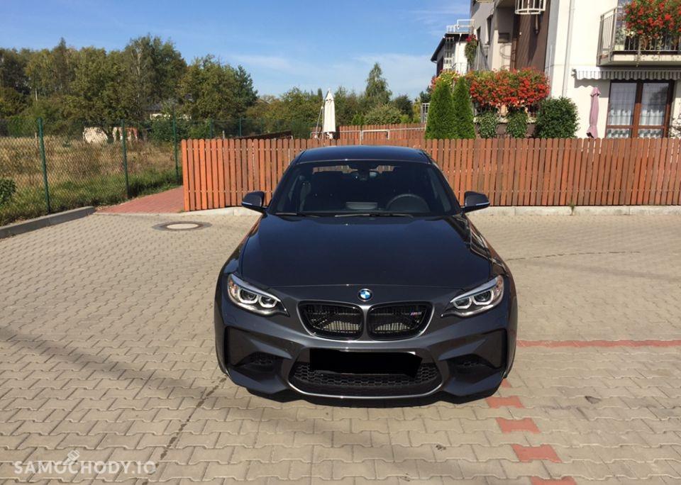 BMW M2 zamontowany akcesoryjny wydech Akrapovic 1