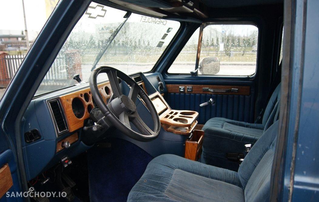 Chevrolet G automat , gaz , 9-osobowy 2