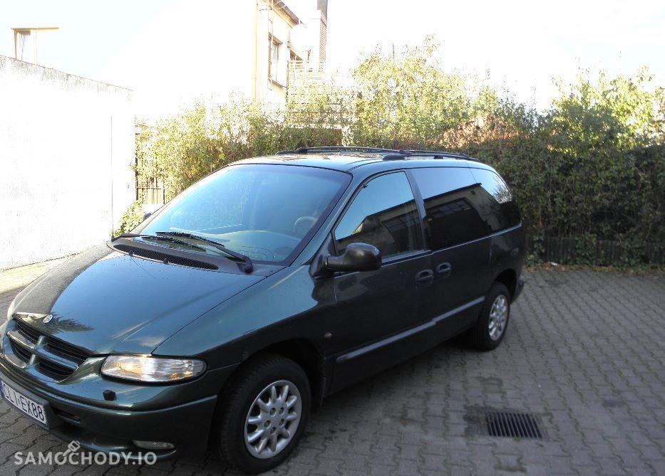 Chrysler Voyager II (1995-2000) kupiony w polskim salonie , orginalny przebieg , Dwa komplety opon zima lato. 1