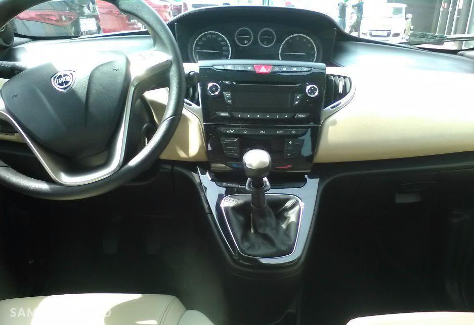 Lancia Ypsilon wersja platinum , bezwypadkowy , 85 KM  2