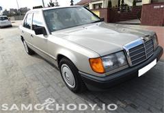z miasta koło Mercedes-Benz W124 (1984-1993) Benzyna 2.2 132KM 1989r.