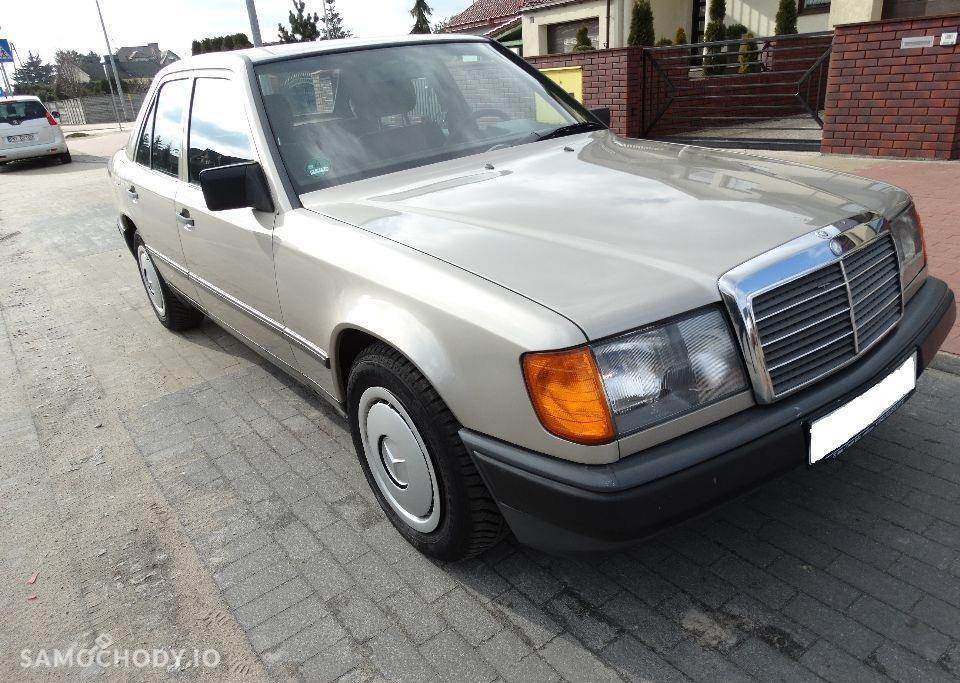 Mercedes-Benz W124 (1984-1993) Benzyna 2.2 132KM 1989r. 4