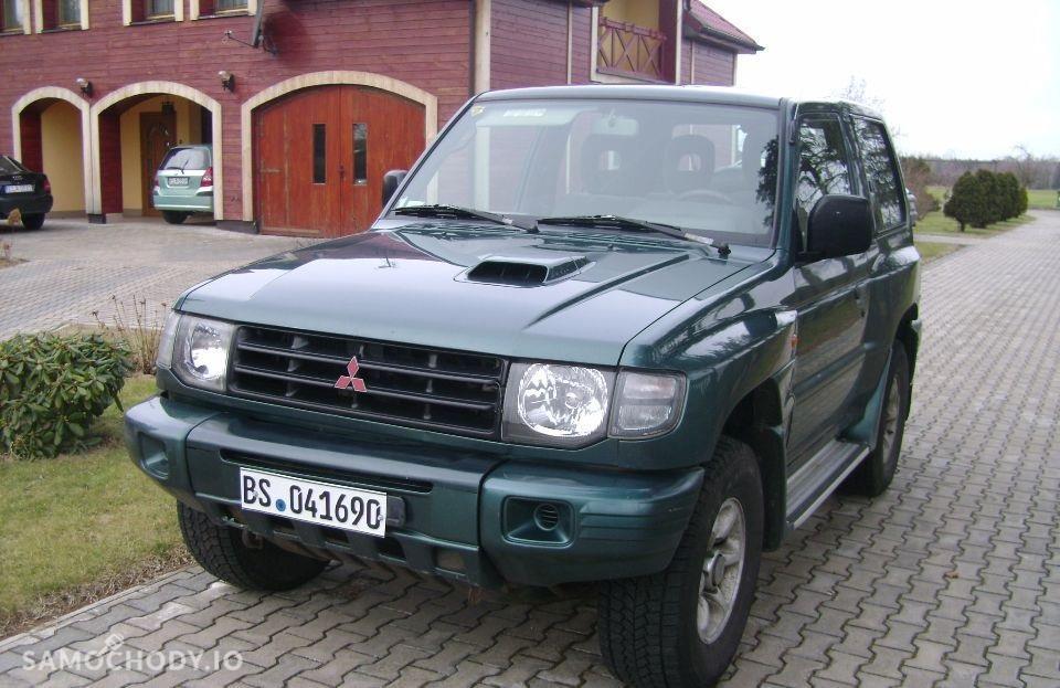 Mitsubishi Pajero III (2000-2006) 4x4 2.5 diesel 115KM z Niemiec  1