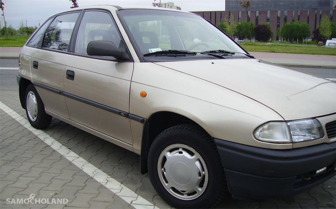 Opel Astra F (1991-2002)  z 1996 r.   Klasyka w najlepszym wydaniu. 2
