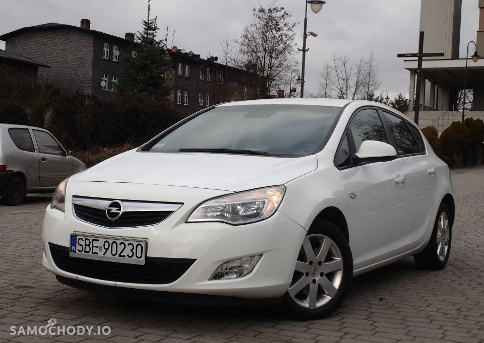 Opel Astra J (2009-2015) Diesel 1.7 110KM 2010r. 1