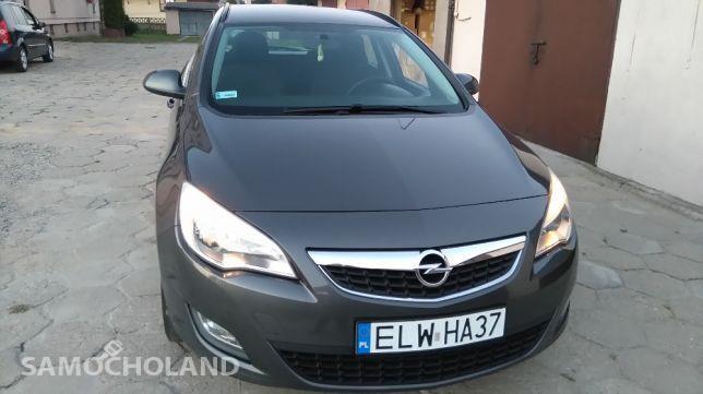 Opel Astra J (2009-2015) Opel Artra Sports Tourer 4