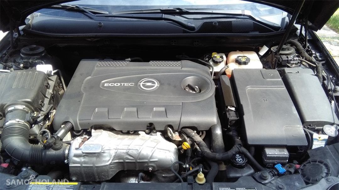 Opel Insignia Auto kupione w Polskim salonie Opla.Pierwszy właściciel, od początku garażowany.Stan techniczny oraz wnętrza bardzo dobry. Niwielki przebieg - 83400 km. 29