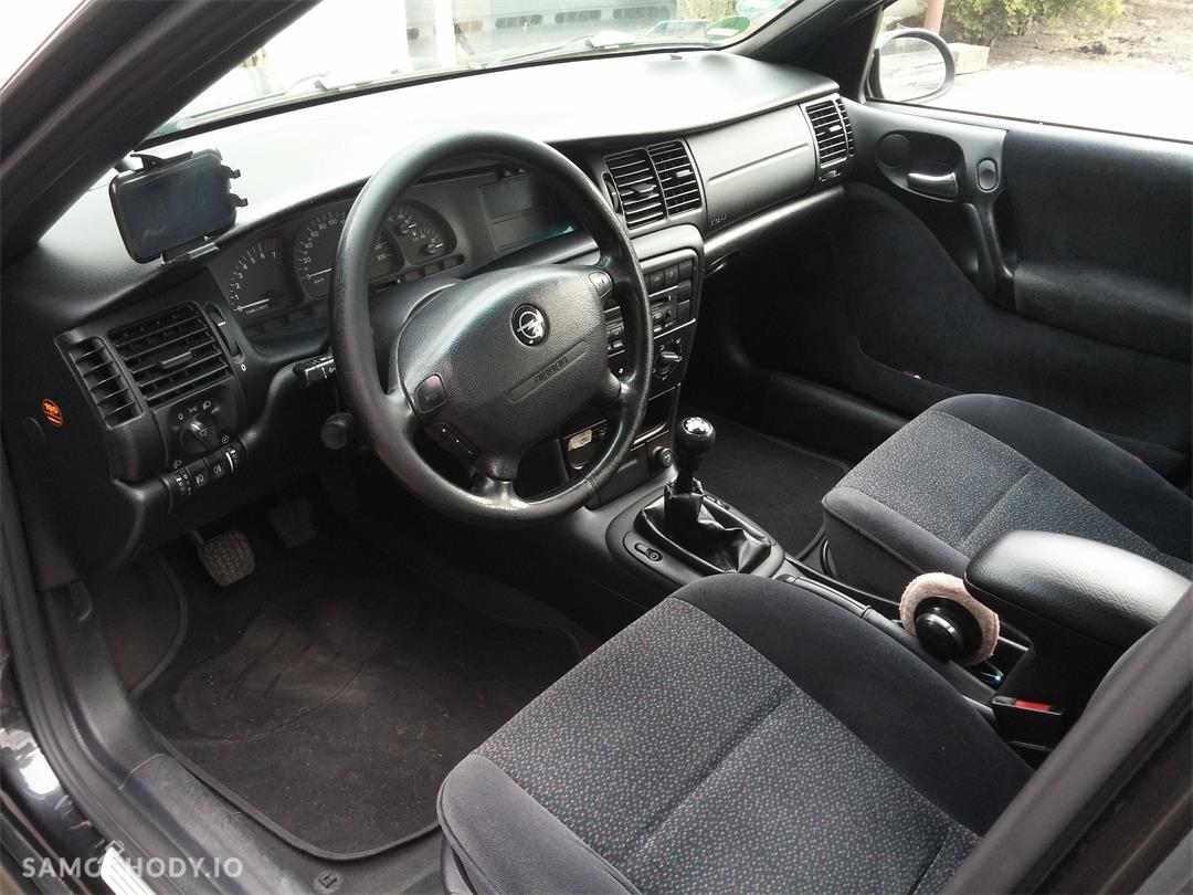 Opel Vectra B (1995-2002) LIFT 1.8 125KM w najpraktyczniejszym nadwoziu KOMBI  11