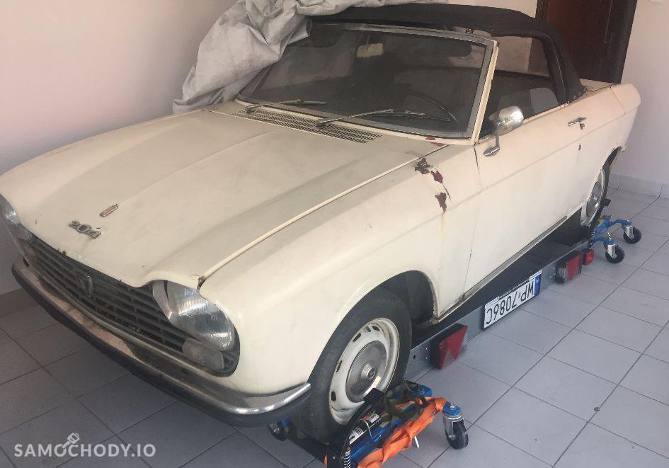 Peugeot 204 ZABYTEK , DO RENOWACJI , 2 OSOBOWY 1