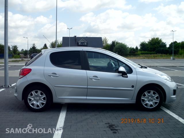 Peugeot 207  16