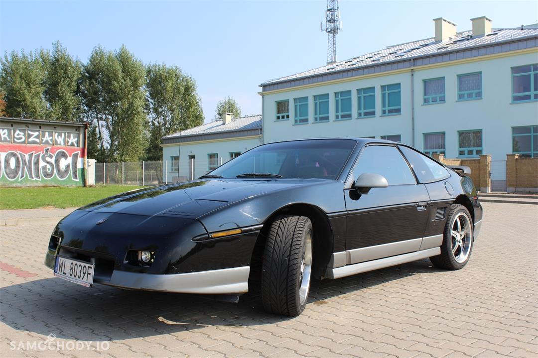 Pontiac Fiero 140 KM , sportowy , 2 osobowy 1