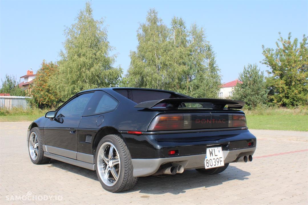 Pontiac Fiero 140 KM , sportowy , 2 osobowy 2