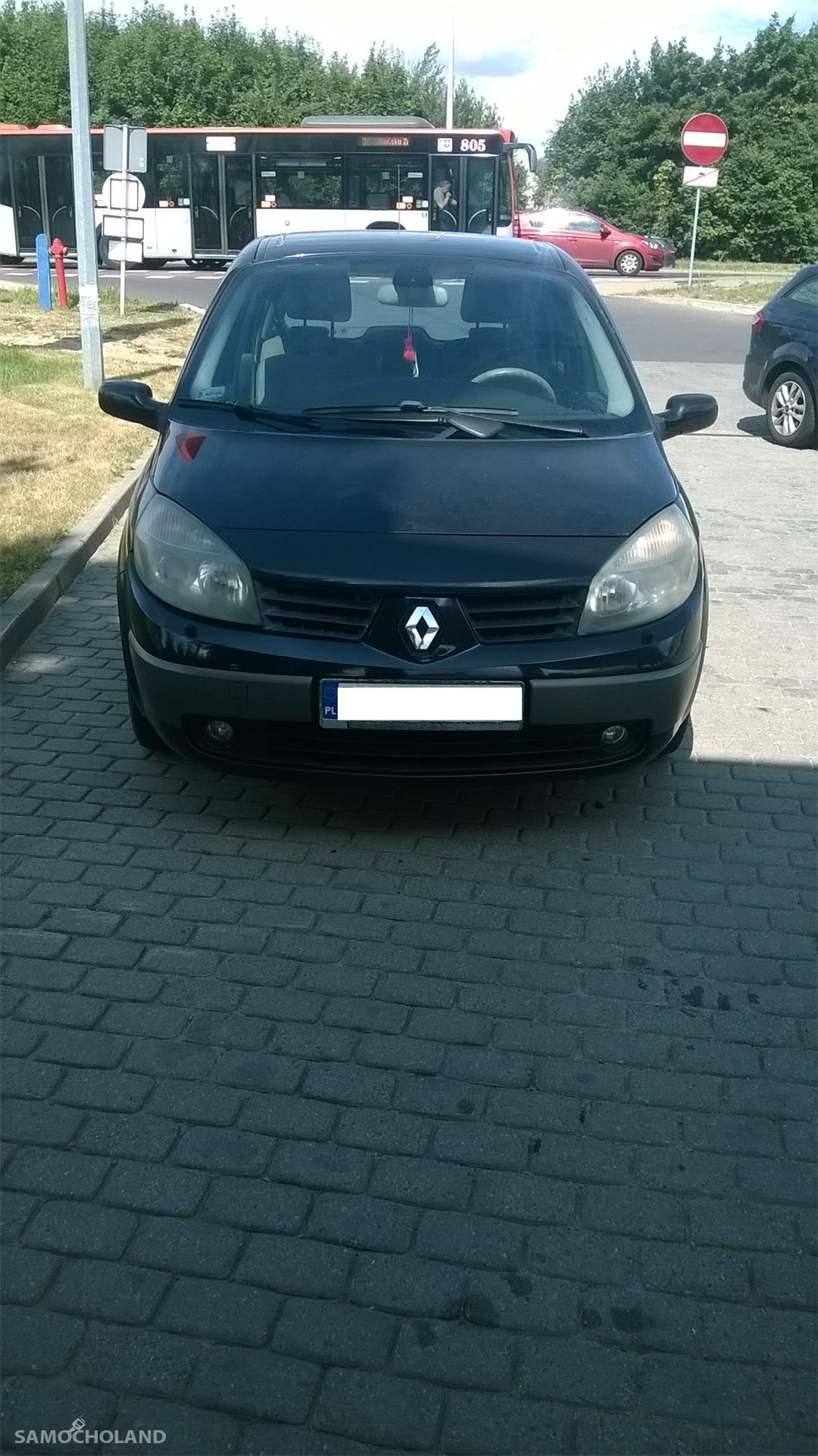 Renault Scenic II (2003-2009)  2