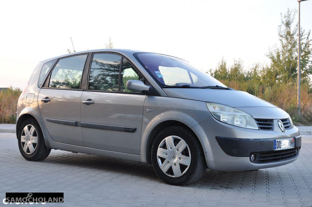 Renault Scenic II (2003-2009)  1